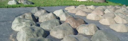 Искусственный камень для декорирования септика на фото