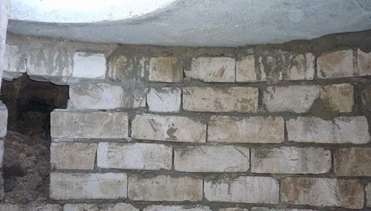 На картинке стена септика из силикатного кирпича